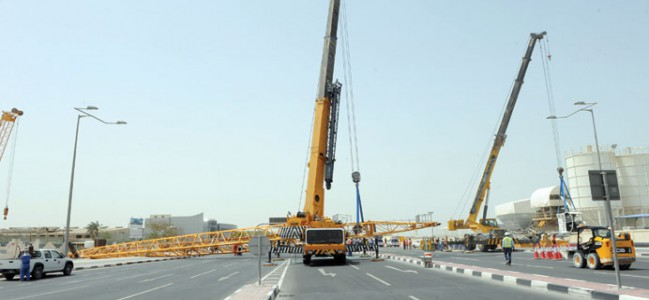 One dead, three injured during crane accident